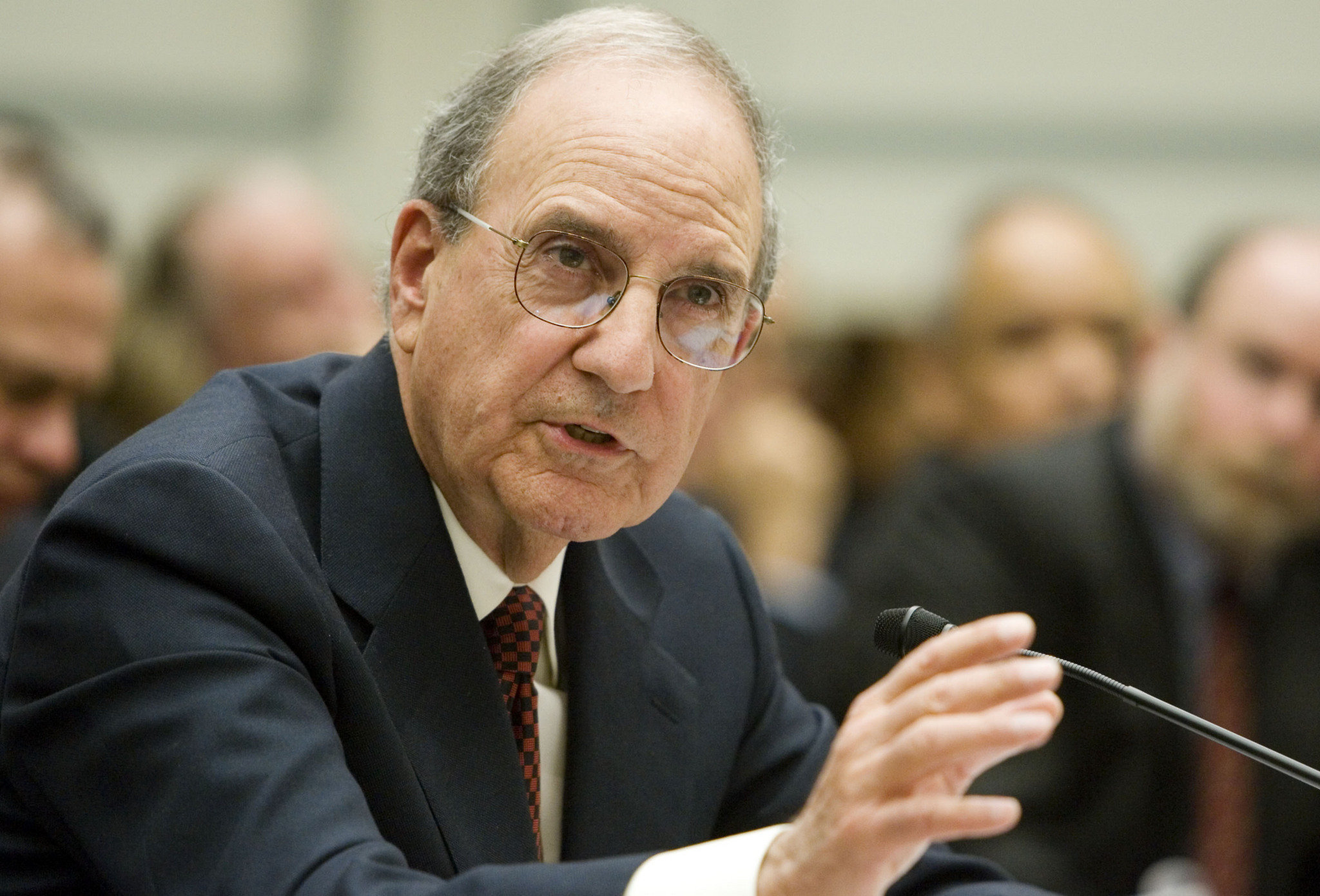 Senator George Mitchell and the Mitchell Report on anabolic steroids in baseball